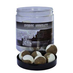 De hybride wafter is gemaakt van zowel zinkende boilie mix als pop up mix